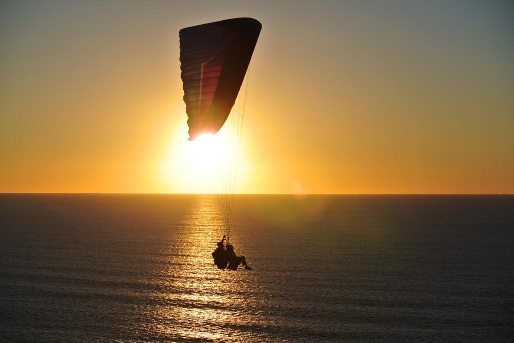 טיסה מעל החוף בנתניה